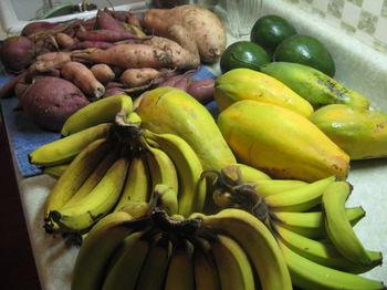 Potatoes, papayas and bananas 021