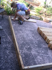 Putting_in_raised_beds_004_2