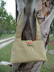 Greentrianglepurse